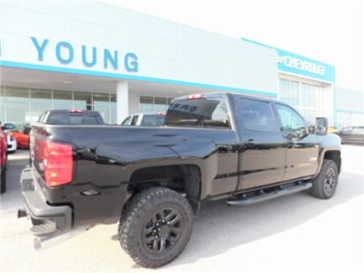 2018 Silverado 2500 Crew Cab 4x4, Pickup #T21371 - photo 2