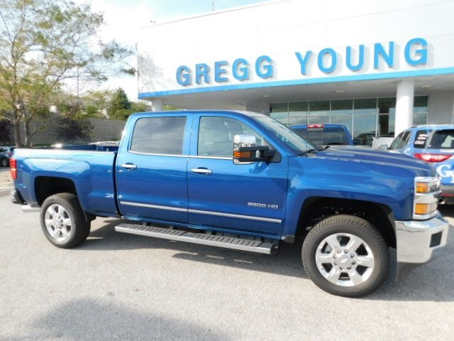2018 Silverado 2500 Crew Cab 4x4,  Pickup #T21633 - photo 2
