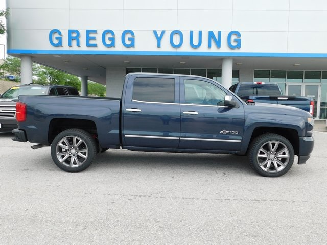 2018 Silverado 1500 Crew Cab 4x4,  Pickup #T22001 - photo 1