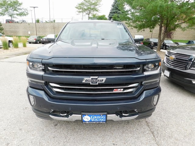 2018 Silverado 1500 Crew Cab 4x4,  Pickup #T22001 - photo 3