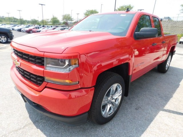 2018 Silverado 1500 Double Cab 4x4,  Pickup #T22003 - photo 5