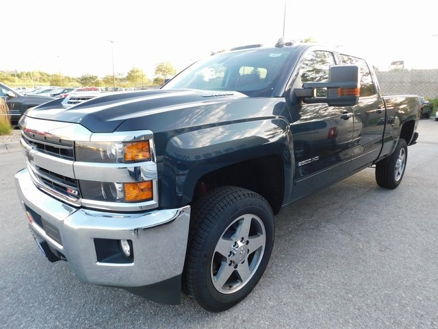 2018 Silverado 2500 Crew Cab 4x4,  Pickup #T22124 - photo 4