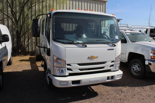 2017 Low Cab Forward Crew Cab, Cab Chassis #75229 - photo 3