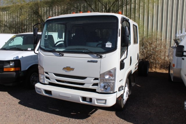 2017 Low Cab Forward Crew Cab, Cab Chassis #75229 - photo 6
