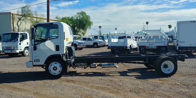 2017 Low Cab Forward Regular Cab 4x2,  Cab Chassis #75467 - photo 2