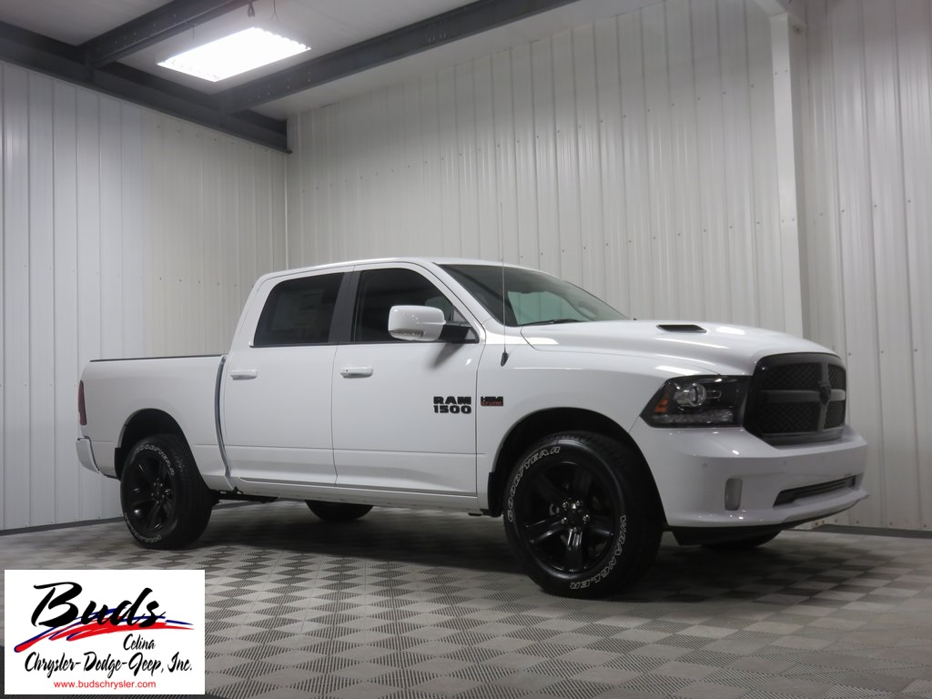 2017 Ram 1500 Crew Cab 4x4, Pickup #731130 - photo 3