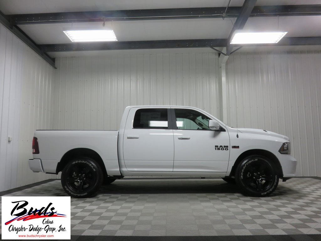 2017 Ram 1500 Crew Cab 4x4, Pickup #731130 - photo 8