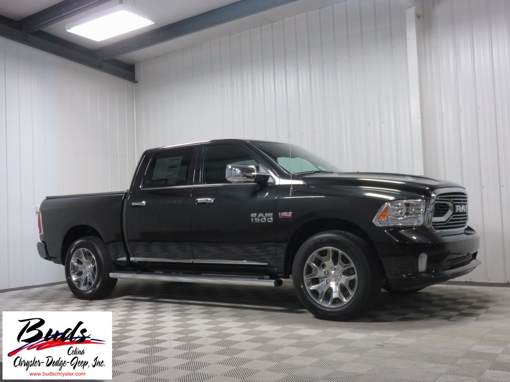 2017 Ram 1500 Crew Cab 4x4, Pickup #732450 - photo 3