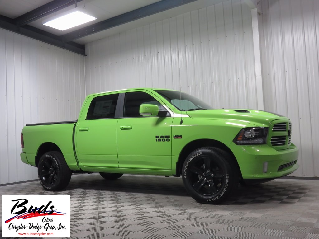 2017 Ram 1500 Crew Cab 4x4, Pickup #732530 - photo 3
