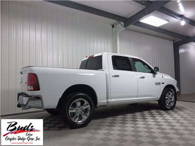 2017 Ram 1500 Crew Cab 4x4 Pickup #732650 - photo 4