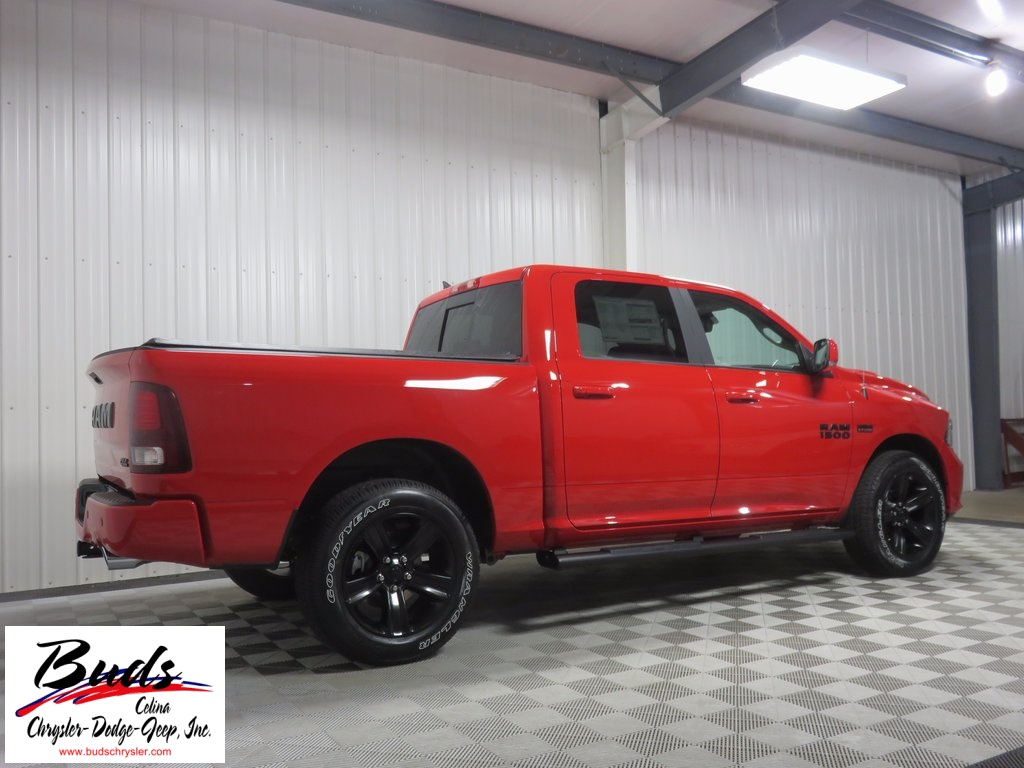 2017 Ram 1500 Crew Cab 4x4, Pickup #733160 - photo 2