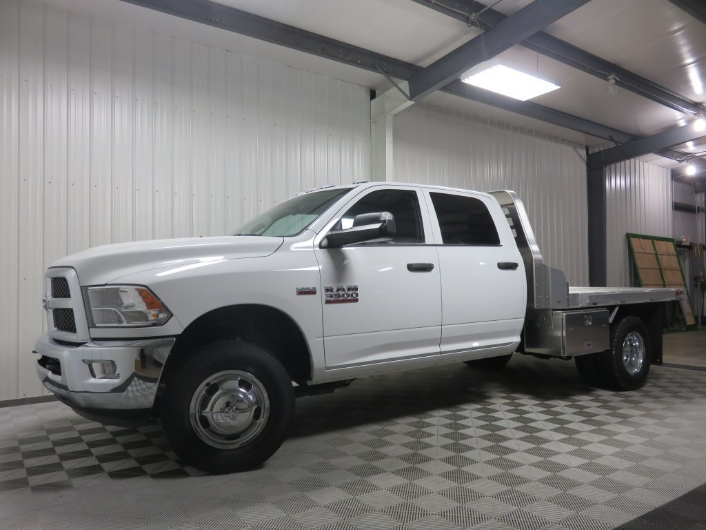 2018 Ram 3500 Crew Cab DRW 4x4 Platform Body #830320 - photo 4