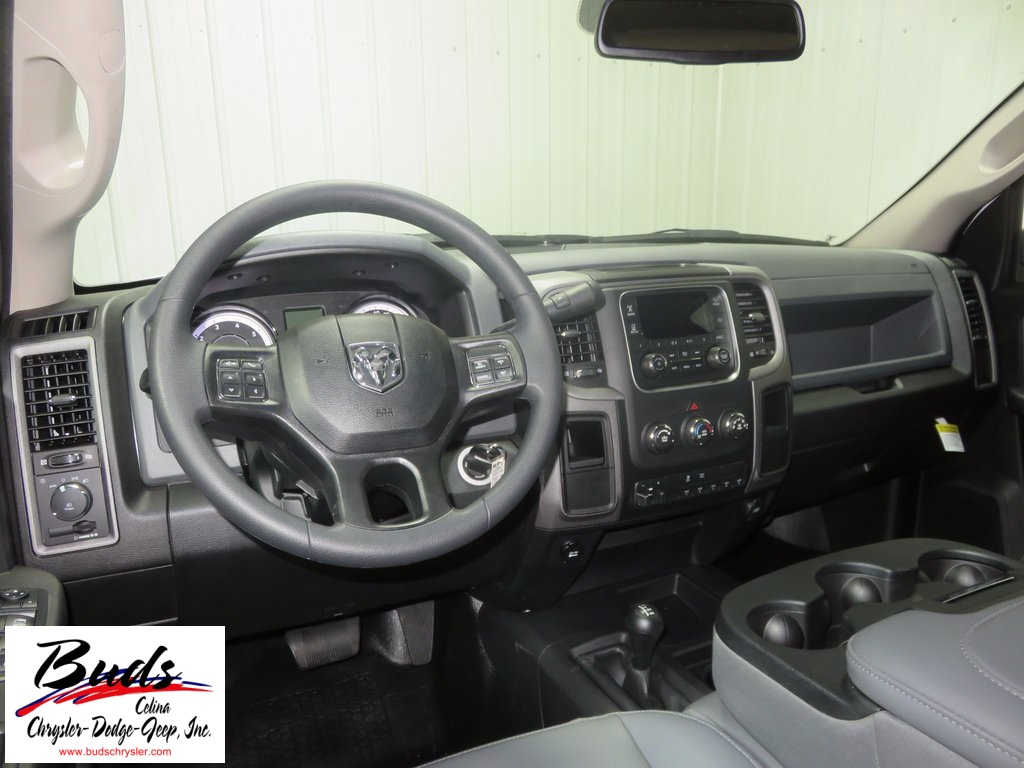 2018 Ram 3500 Crew Cab DRW 4x4 Platform Body #830320 - photo 14