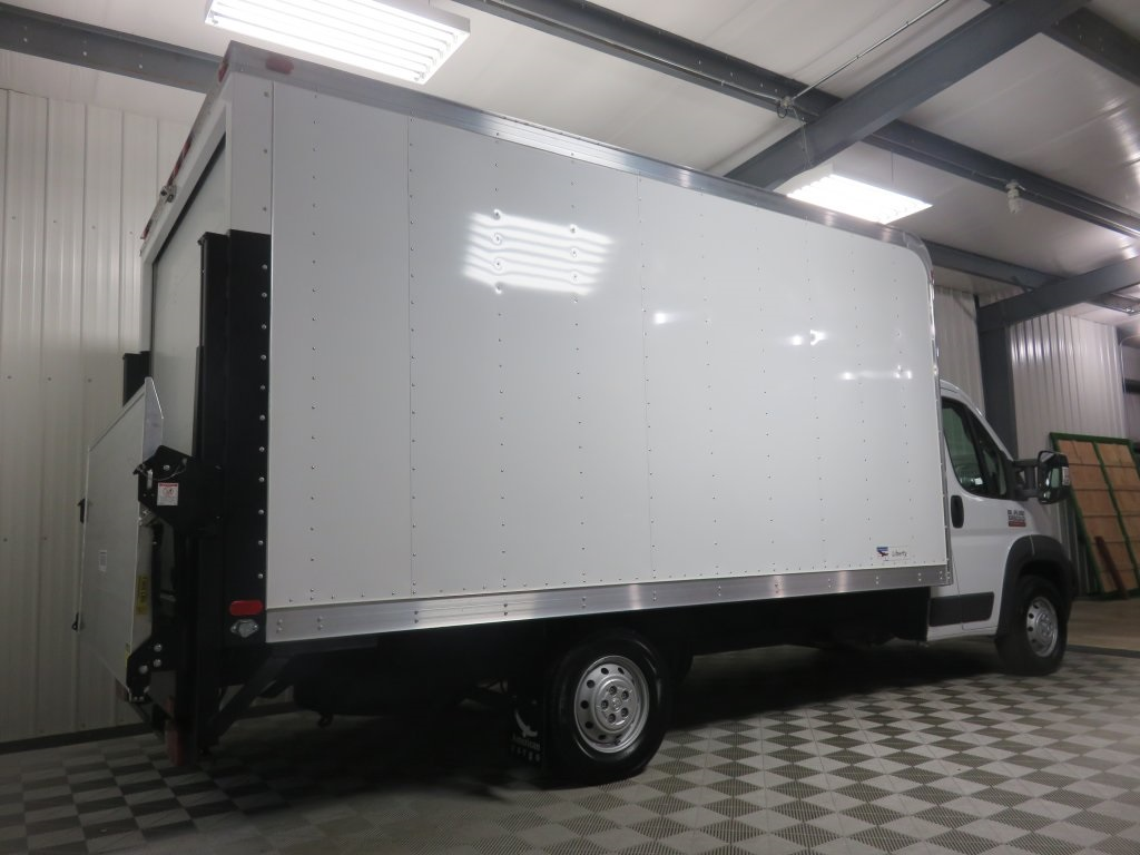 2018 ProMaster 3500 Cutaway Van #830360 - photo 2