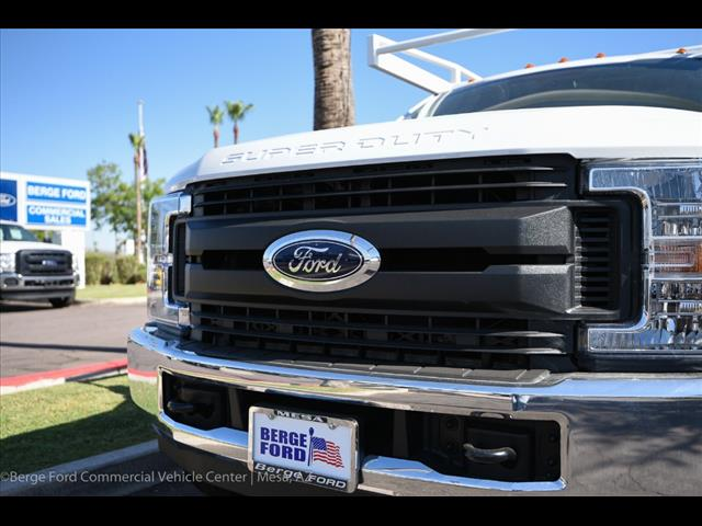2017 F-550 Crew Cab DRW, Harbor Combo Body #17P270 - photo 15