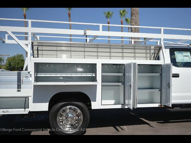 2017 F-550 Crew Cab DRW, Harbor Combo Body #17P270 - photo 25