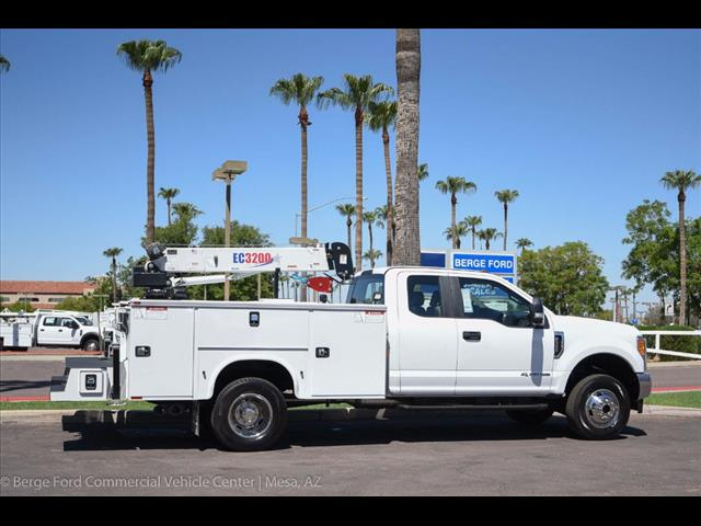 2017 F-350 Super Cab DRW 4x4, Knapheide Standard Service Body Wrecker Body #17P419 - photo 16