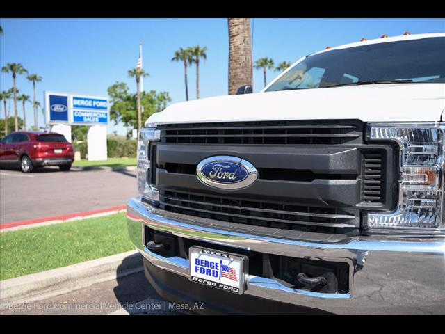 2017 F-350 Crew Cab DRW 4x4, Knapheide Service Body #17P422 - photo 14