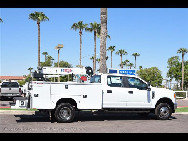 2017 F-350 Crew Cab DRW 4x4, Knapheide Service Body #17P422 - photo 19