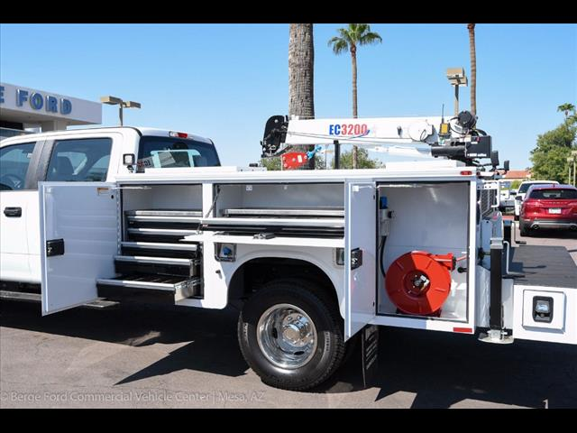 2017 F-350 Crew Cab DRW 4x4, Knapheide Service Body #17P422 - photo 8