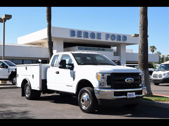 2017 F-350 Super Cab DRW 4x4, Reading Service Body #17P466 - photo 12