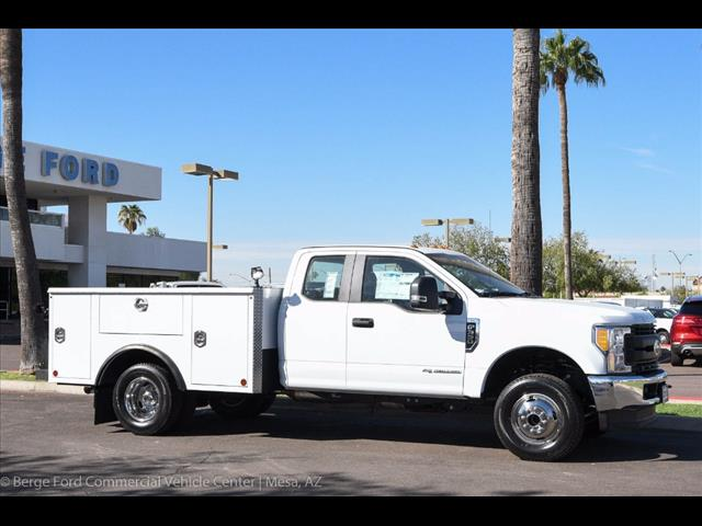2017 F-350 Super Cab DRW 4x4, Reading Service Body #17P466 - photo 13