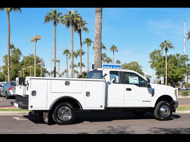 2017 F-350 Super Cab DRW 4x4, Reading Service Body #17P466 - photo 14