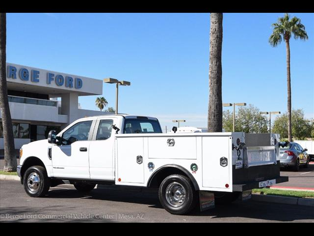 2017 F-350 Super Cab DRW 4x4, Reading Service Body #17P466 - photo 4