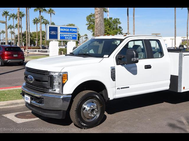 2017 F-350 Super Cab DRW 4x4, Reading Service Body #17P466 - photo 9