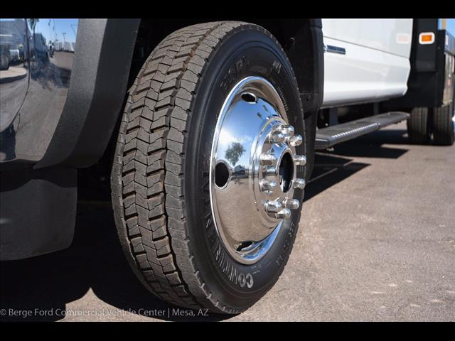 2017 F-550 Crew Cab DRW 4x4, Knapheide Value-Master X Platform Body #17P494 - photo 10