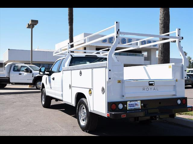 2017 F-350 Super Cab 4x4, Royal Service Bodies Service Body #17P499 - photo 4