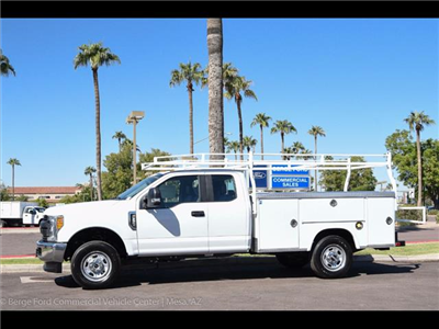 2017 F-350 Super Cab 4x4, Royal Service Bodies Service Body #17P499 - photo 3