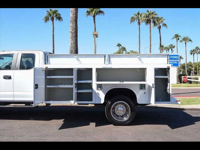 2017 F-450 Super Cab DRW 4x4, Knapheide Service Body #17P525 - photo 7