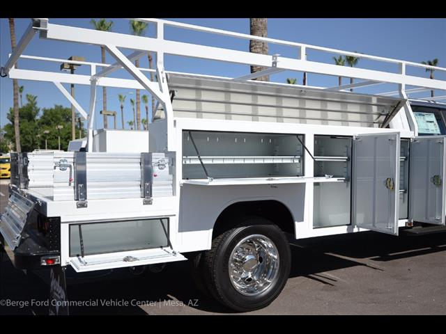 2017 F-550 Crew Cab DRW 4x4 Combo Body #17P613 - photo 5