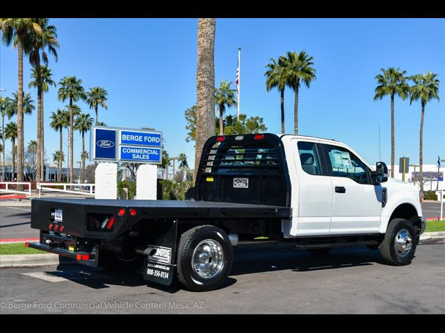 2017 F-350 Super Cab DRW 4x4, Freedom Rodeo Platform Body #17P750 - photo 10