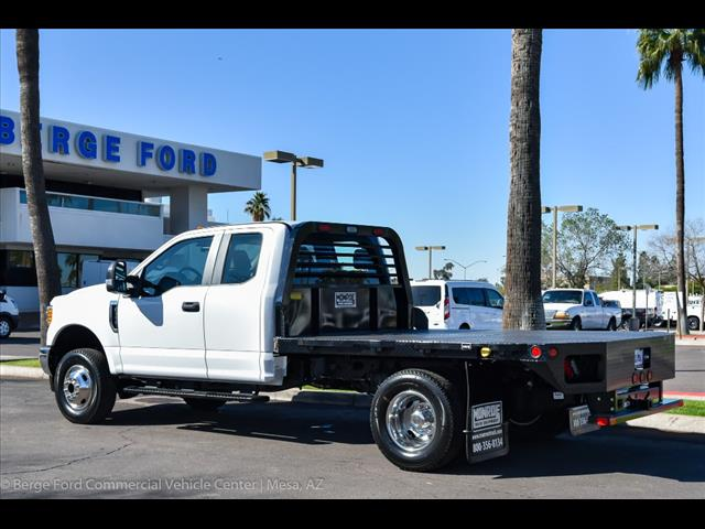 2017 F-350 Super Cab DRW 4x4, Freedom Rodeo Platform Body #17P750 - photo 4