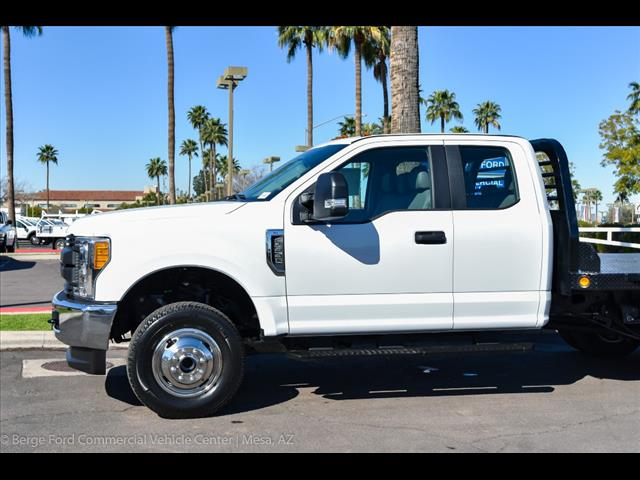2017 F-350 Super Cab DRW 4x4, Freedom Rodeo Platform Body #17P750 - photo 5