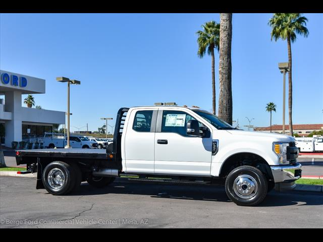 2017 F-350 Super Cab DRW 4x4, Freedom Rodeo Platform Body #17P750 - photo 9