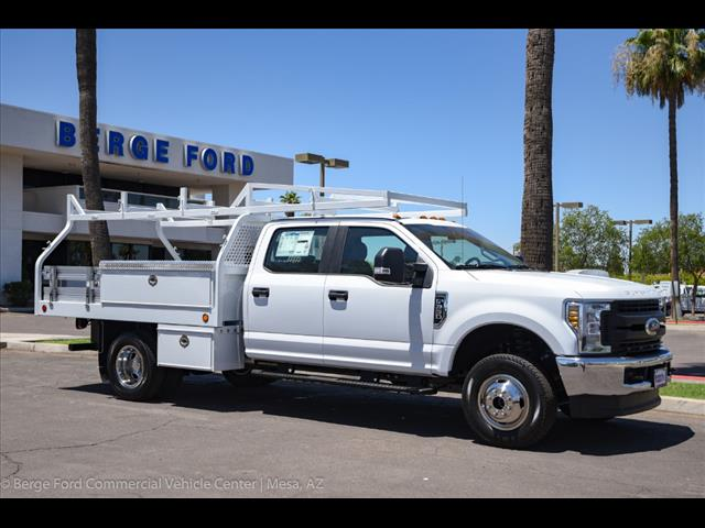 2018 F-350 Crew Cab DRW 4x4,  Royal Contractor Bodies Contractor Body #18P150 - photo 18