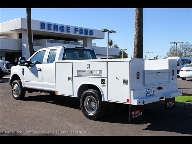 2018 F-350 Super Cab DRW 4x4,  Reading Service Body #18P560 - photo 2