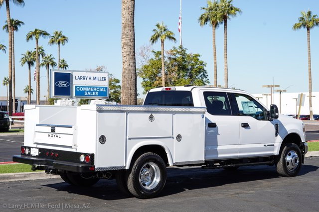 2020 Ford F-350 Crew Cab DRW 4x4, Royal Service Body #20P447 - photo 12
