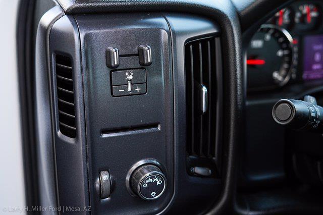 2018 Chevrolet Silverado 3500 Regular Cab DRW 4x4, Platform Body #20P483A - photo 16