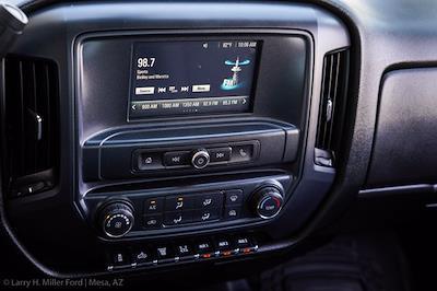 2018 Chevrolet Silverado 3500 Regular Cab DRW 4x4, Platform Body #20P483A - photo 17