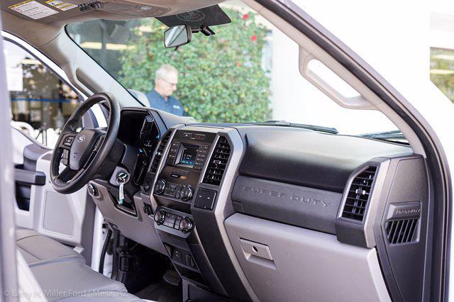 2019 Ford F-450 Regular Cab DRW 4x2, Hillsboro GII Steel Platform Body #21P188A - photo 24