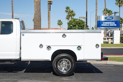 2021 Ford F-450 Super Cab DRW 4x4, Royal Truck Body Contractor Body #21P358 - photo 5
