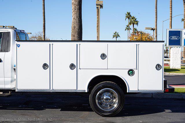 2021 Ford F-550 Regular Cab DRW 4x4, Royal Truck Body Service Body #21P367 - photo 5