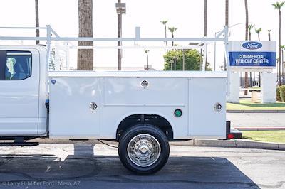 2021 Ford F-450 Super Cab DRW 4x4, Royal Truck Body Contractor Body #21P405 - photo 4