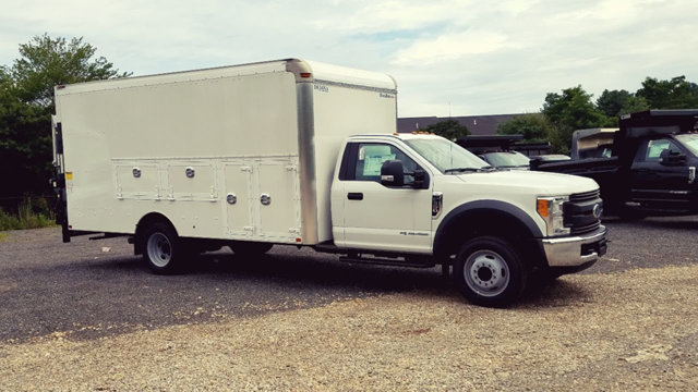 2017 F-550 Regular Cab DRW Dry Freight #172470 - photo 3