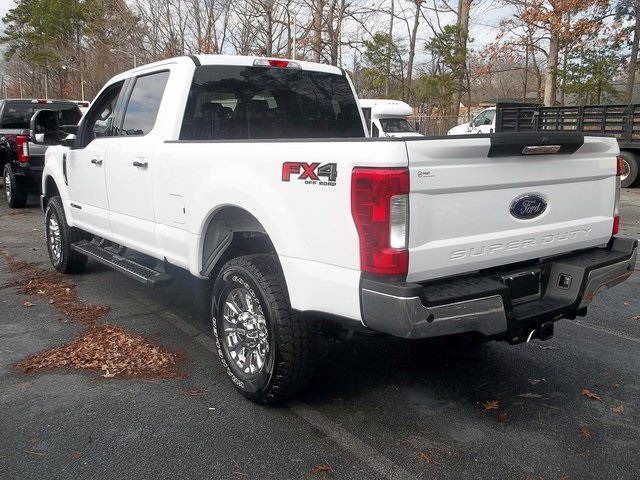 2018 F-250 Crew Cab 4x4, Pickup #589125 - photo 2