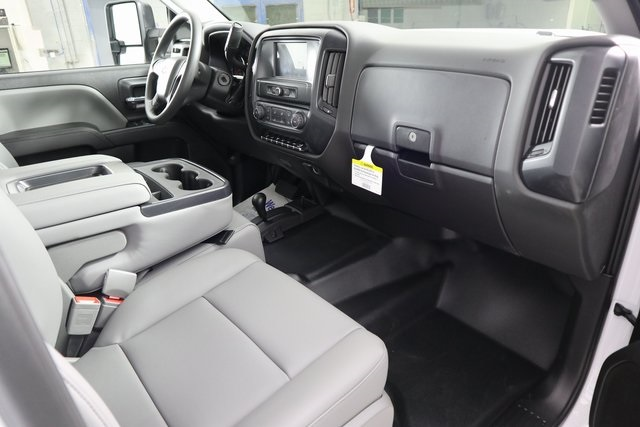 2019 Silverado 3500 Crew Cab DRW 4x4,  Reading Service Body #14C157533 - photo 9